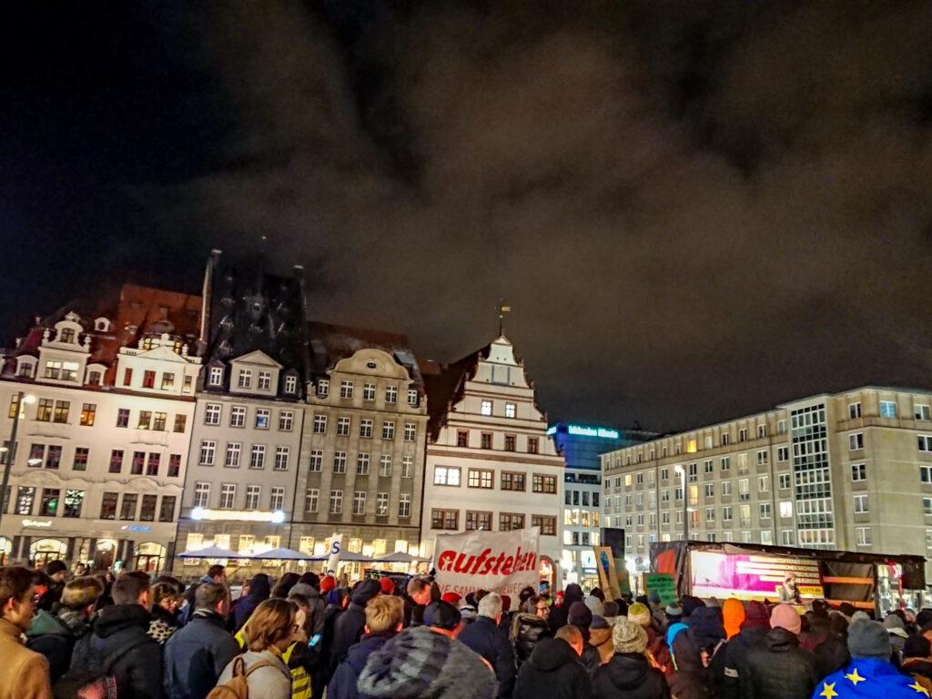 """Die """"Aufruf 2019""""-Endkundgebung auf dem Leipziger Marktplatz"""