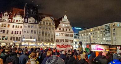 """Der Leipziger Marktplatz bei der Endkundgebung von """"Aufruf 2019"""""""