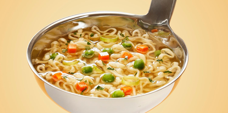 Symbolebild: Der AFD in die Suppe spucken; Eine Suppenkelle
